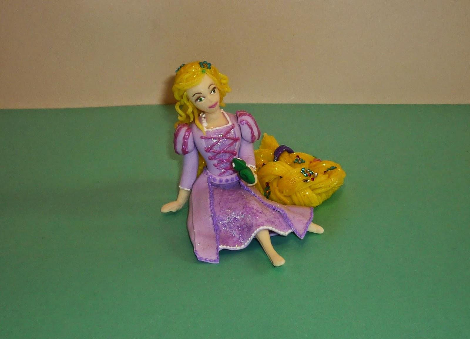 Minimandy. Porcelana Fría. Adorno para Tortas. Rapunzel. Enredados. Tangled.
