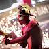O Espetacular Homem-Aranha 2 ganhou imagens com destaque no novo uniforme