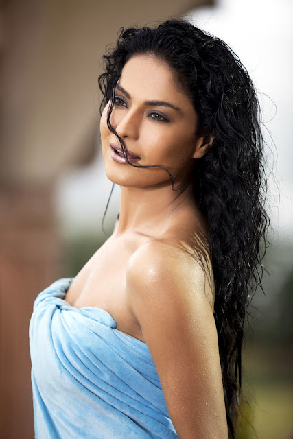 Veena Malik's Latest Photoshoot from Daal Mein Kuch Kaala Hai