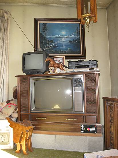 Old Console Tv ~ Life among the tall pines new digital tv