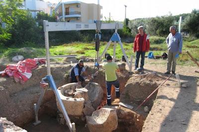 Ιδιωτικός ή Δημόσιος χώρος το Ρωμαϊκό βαλανείο στη Ραφήνα;