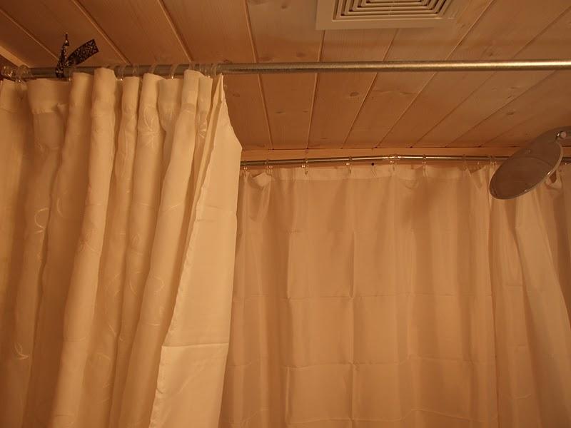Willow Farm Homemade Cast Iron Tub Round Curtain Rod