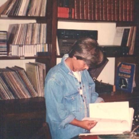 Eu, cds, lps e livros