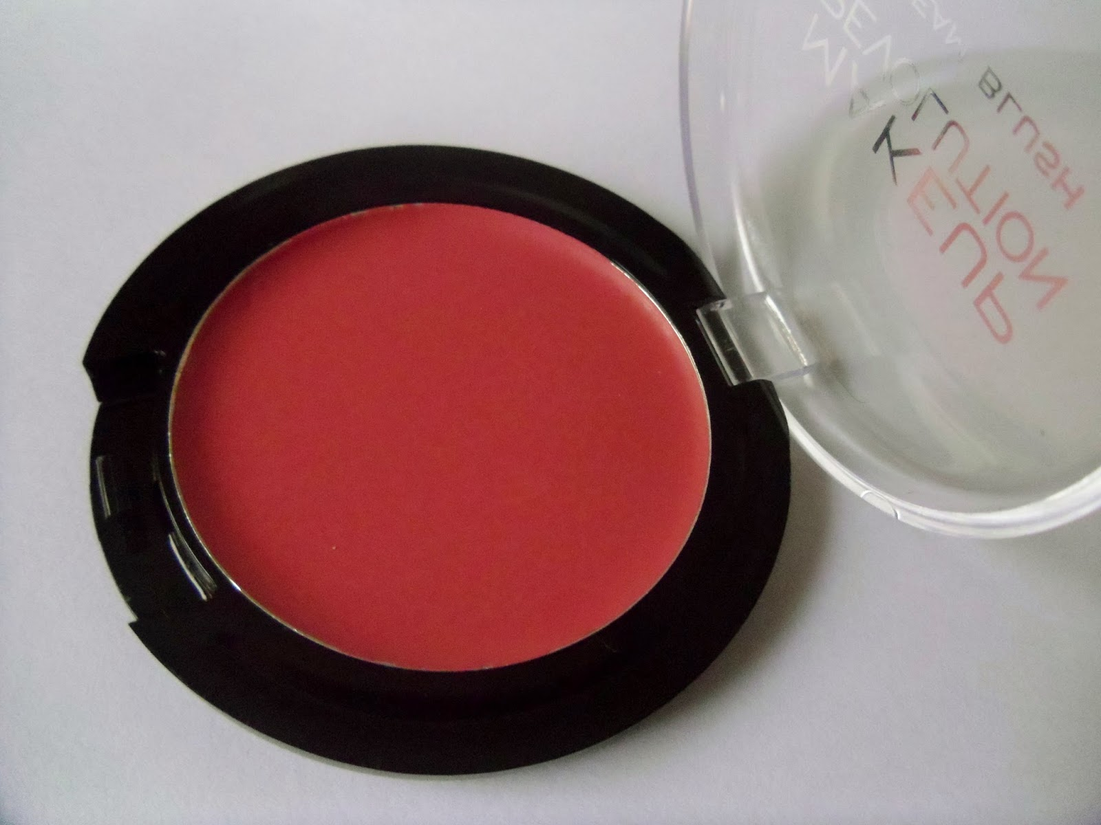 Makeup Revolution Cream Blush - Rose Cream