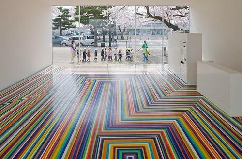 Lantai Rumah Dengan Warna-Warnai Ceria