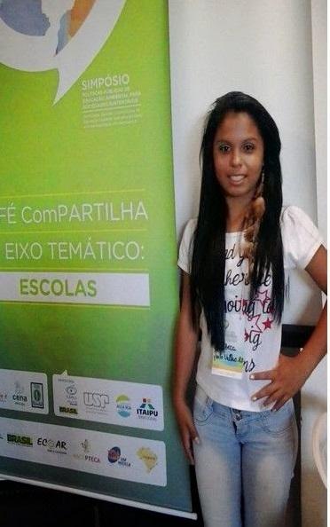 Nossa aluna no Simpósio de Politicas Públicas de Educação Ambiental em Piracicaba/SP
