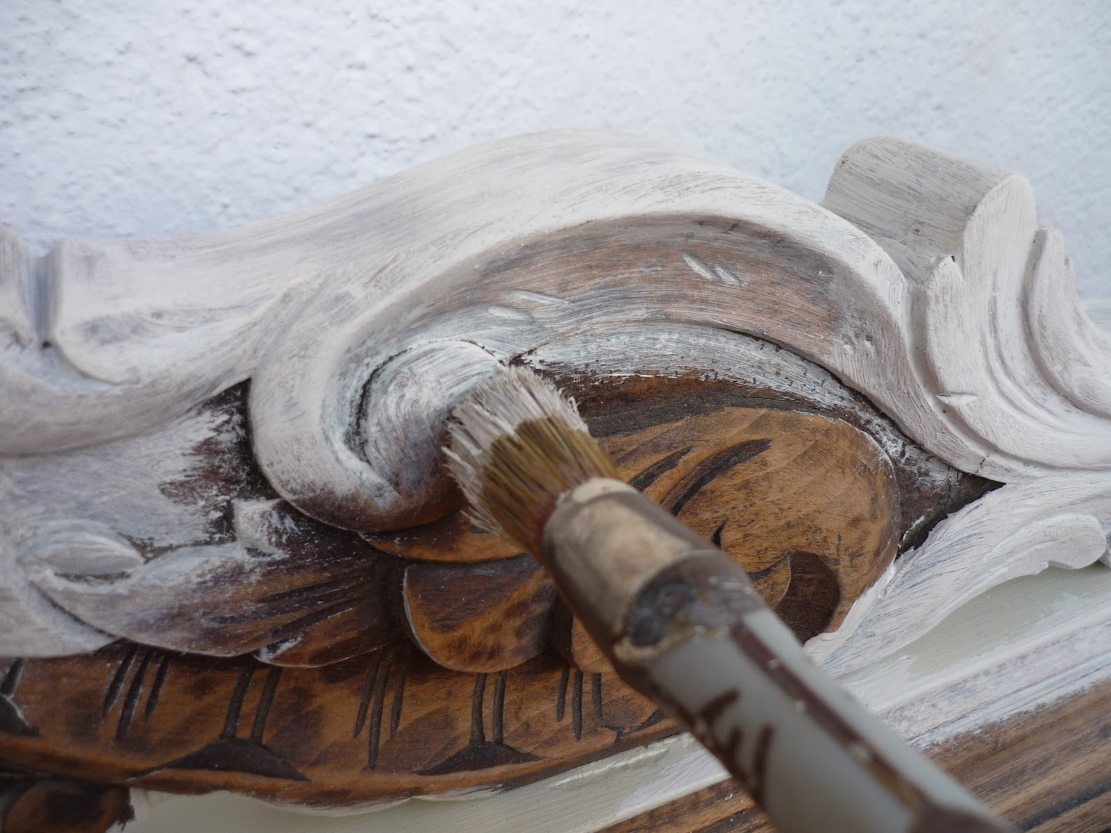Restauracion y decoracion de madera pintar madera tallada - Pintura blanca para madera ...