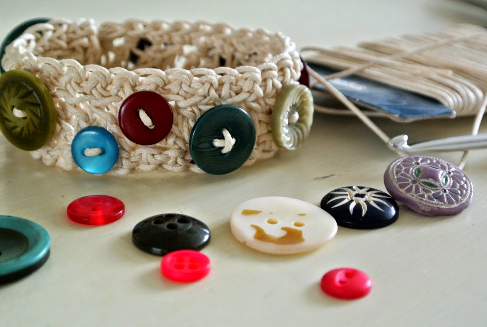 Give-away! Maak kans op een armbandje, stempels of workshop