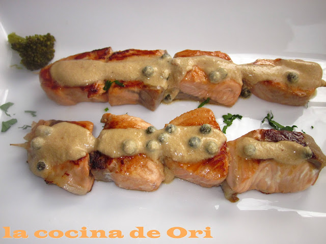 Brocheta de salmon en salasa de soja IMG_2140