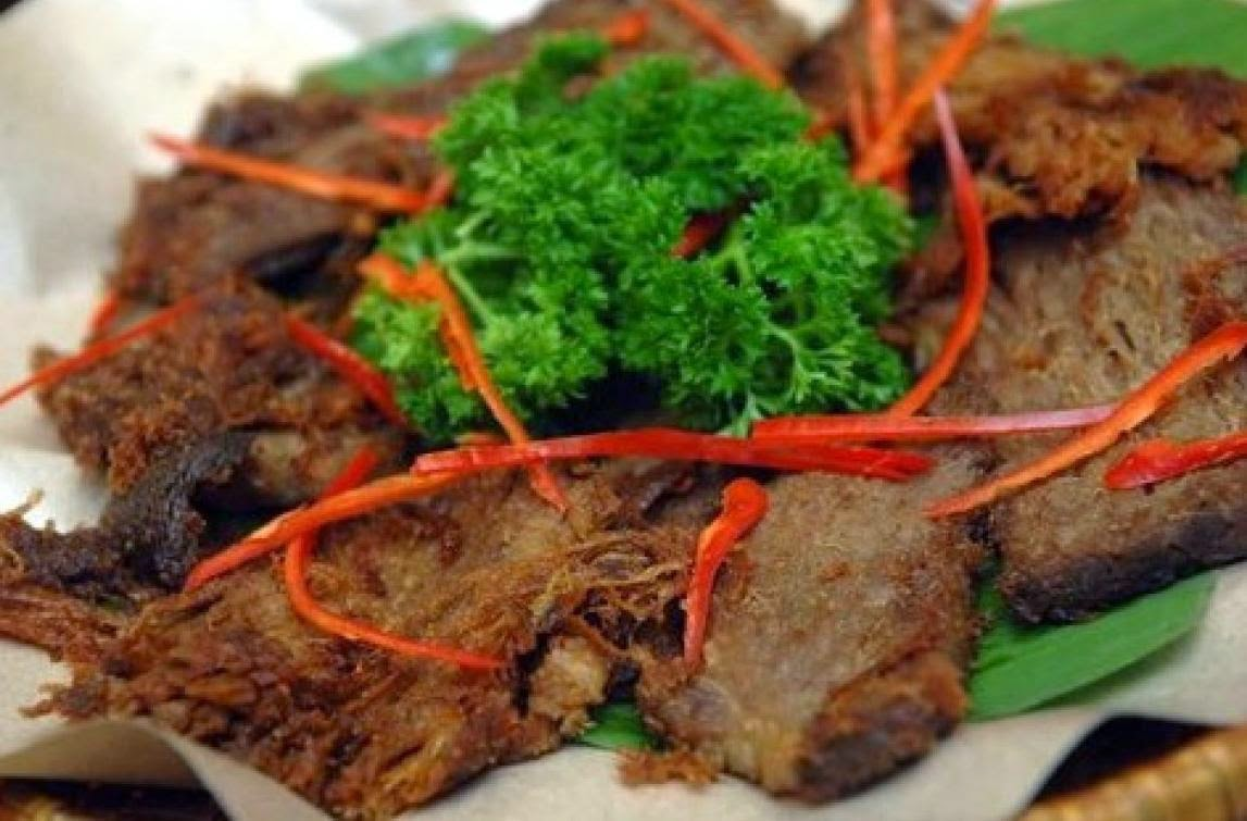 How to make empal gepuk from indonesian food recipes tab in english the dish is called indonesian smashed sweet fried beef why smashed in indonesia after the beef is fried it is smashed forumfinder Choice Image