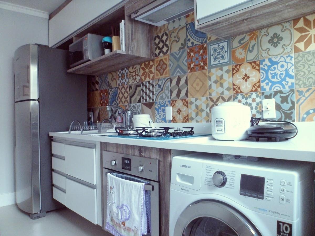 Meu Mini Apê: O Mini Apê do Leitor: A cozinha da Amanda / SP #7F614C 1200 900