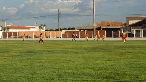 Inaugurado estádio Pedro Avião no bairro Antenor Viana