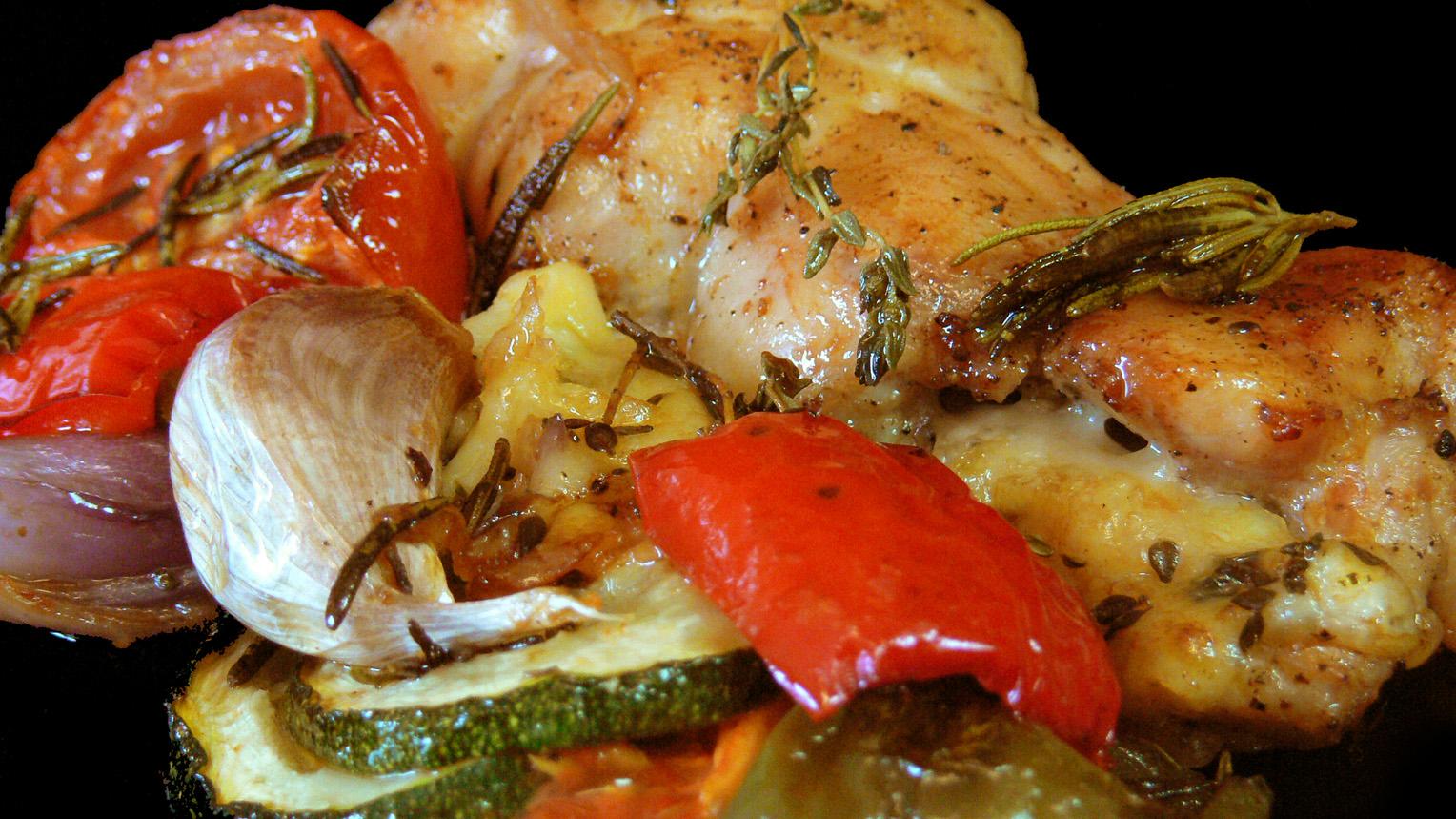 Cocinar para los amigos pollo asado con verduras - Cocinar verduras al horno ...