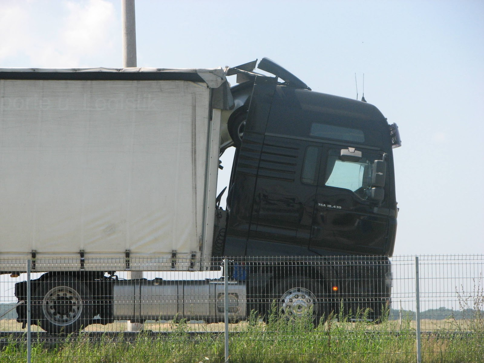 accident tir si masina