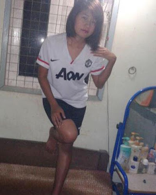 Manchester United girl from Burma