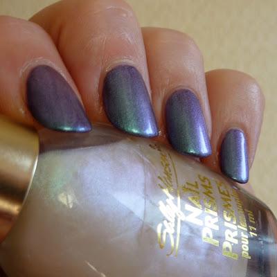 Sally Hansen Nail Prisms - White Turquoise Polish Swatch
