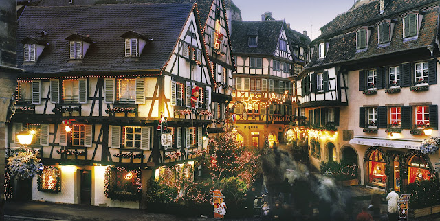If you visit Colmar during the holidays, you'll find Christmas enchantment abounds along Rue des Marchands. Photo: © CRTA - Zvardon. Unauthorized use is prohibited.