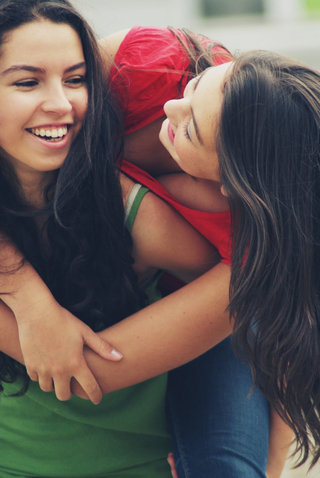 friendship, friendship photoshoots, ideas for photoshoots, how to photograph best friends, best friends photoshoot, girlfriends photoshoot, how to get the best images, friendship shoot ideas, friendship photo shoot,