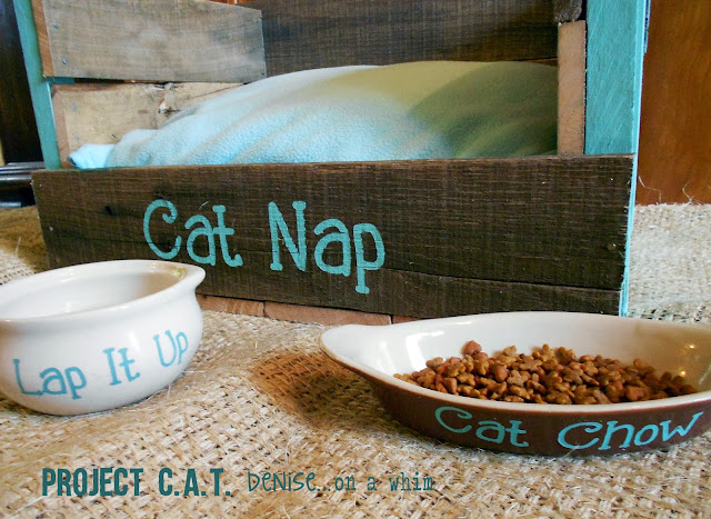 Pallet Cat Bed: My Favorite Posts from 2013 via http://deniseonawhim.blogspot.com