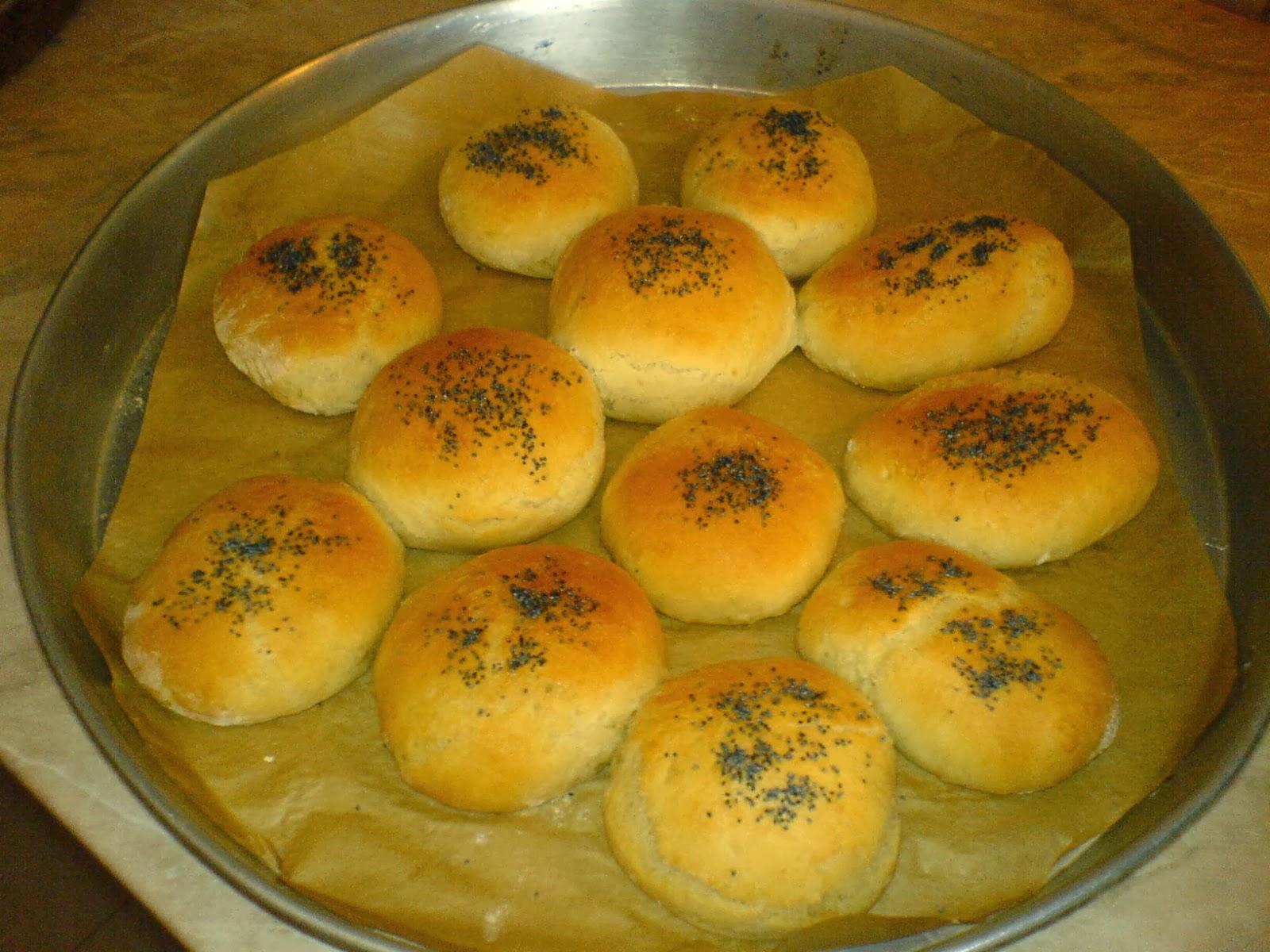 chifle, painici, paine, chifle de casa, paine de casa, retete culinare, preparate culinare, retete chifle, reteta chifle,