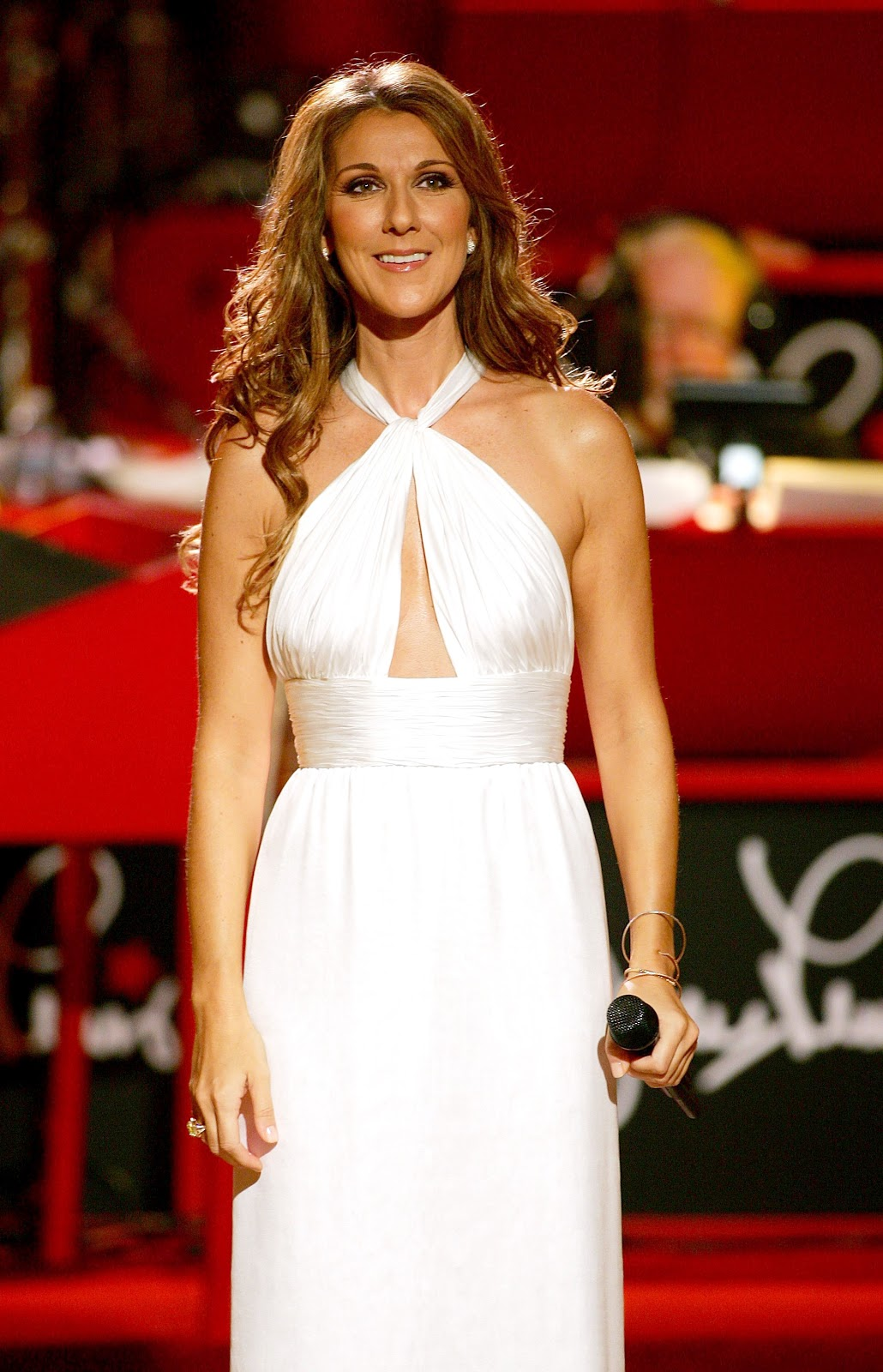 fabulous channel by giselle claudino celine dion 39 s fashion stage trends influence by the greeks. Black Bedroom Furniture Sets. Home Design Ideas