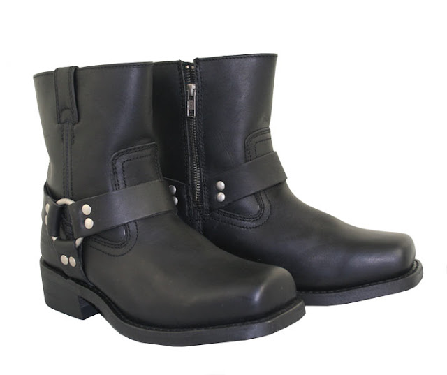 Motorcycle Boots. In terms of safety and performance, casual footwear simply does not measure up to a good pair of motorcycle boots. Some fashionable boots may look rugged enough for riding but they are a far cry from purpose built motorcycle boots.