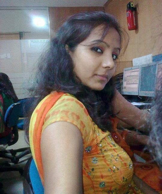 Hot Saree Aunties , Indian Aunties Photos