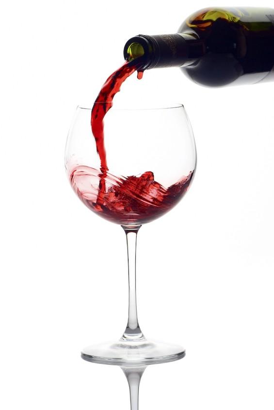Le vin rouge stimule le désir sexuel de la femme