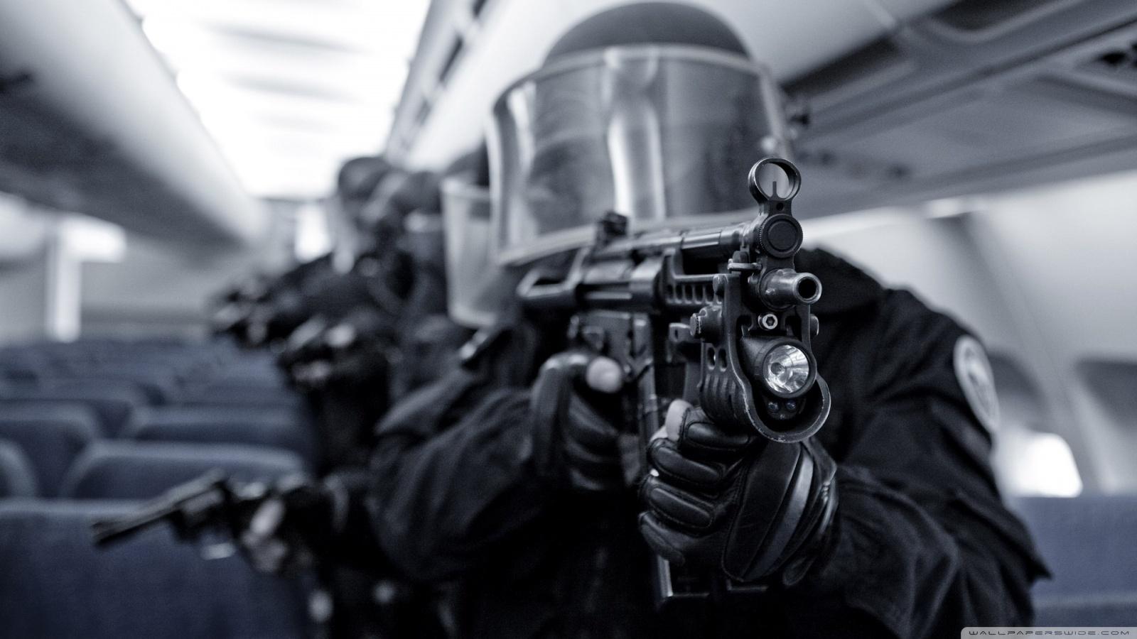 http://2.bp.blogspot.com/-qcmn43Digbc/UShclVx3nQI/AAAAAAAAASk/p7s8RTsTWac/s1600/swat_team-wallpaper-1600x900.jpg
