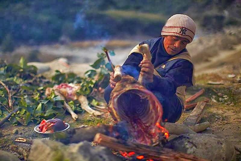 Honey Hunters | Gurung Tribes Nepal