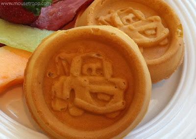 Tow Mater Waffles Flo's V8 Cafe Cars Land Carsland Disney