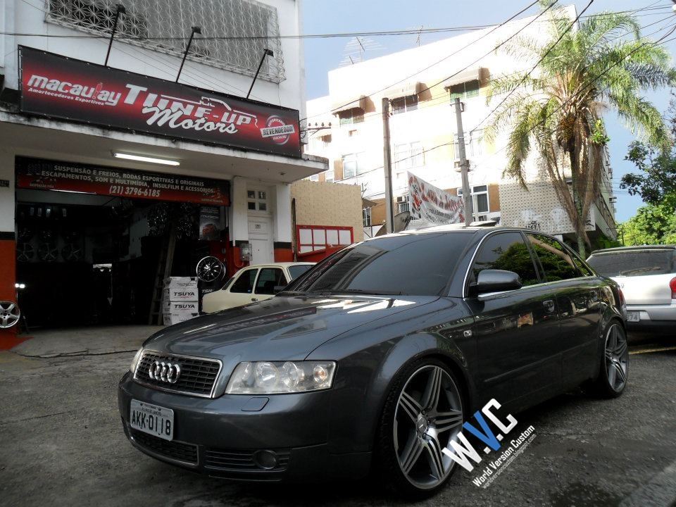 World Version Custom Audi A4 Rebaixado Rodas Aro 20