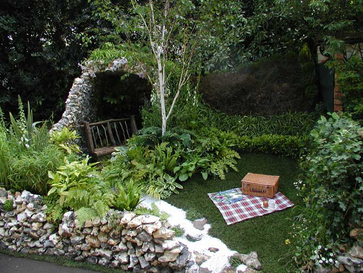 Garden design landscape for small spaces for Garden designs for small spaces
