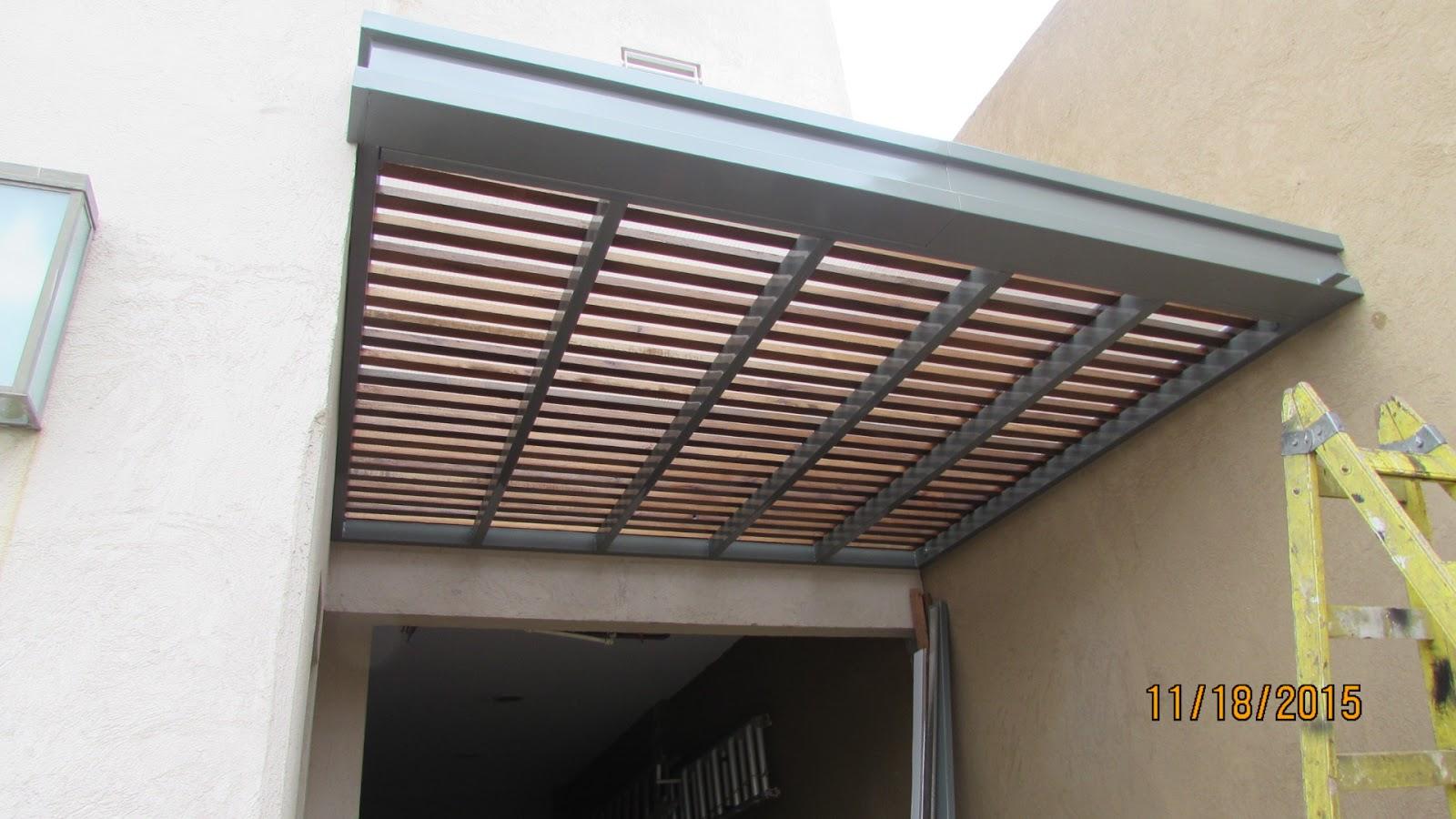 Techo de policarbonato pergolas aleros p rgola for Techos para garajes