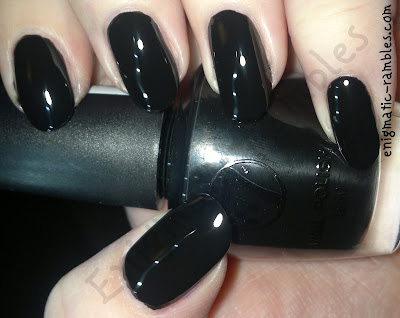swatch-w7-black-polish