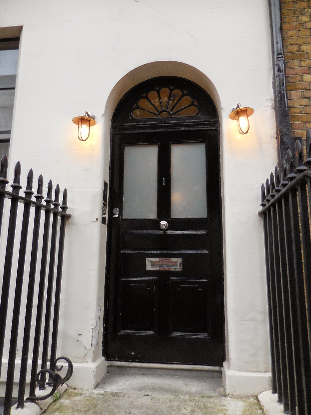 Scotland Office (Dover House) Whitehall & INTERESTING DOORS WE SAW AROUND LONDON \u2013 Number One London