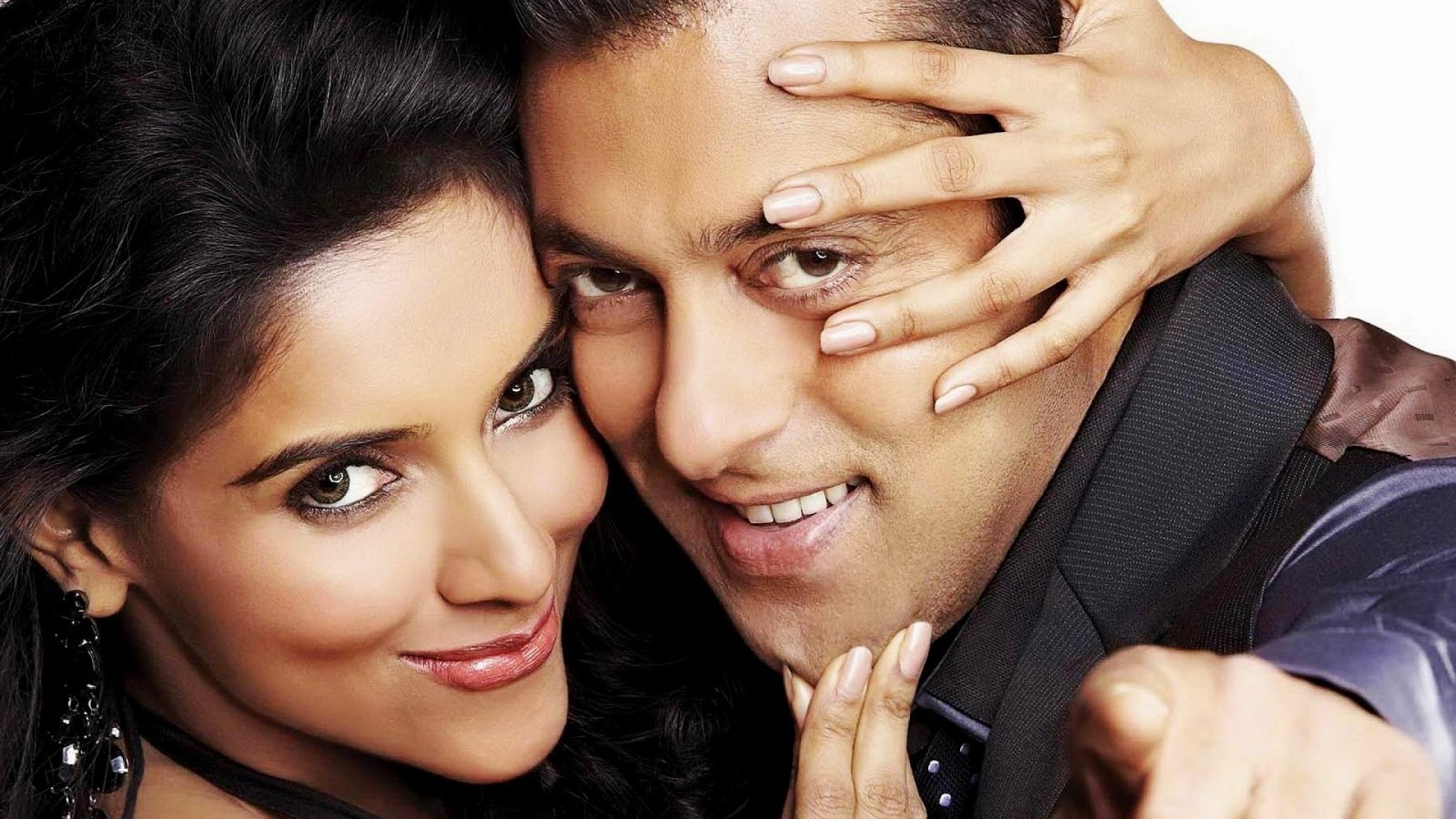 Salman Khan in Ready movie Wallpaper with Asin