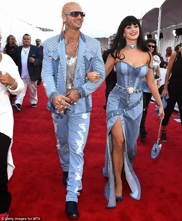 Katty perry on vmas 2014 denim clothes
