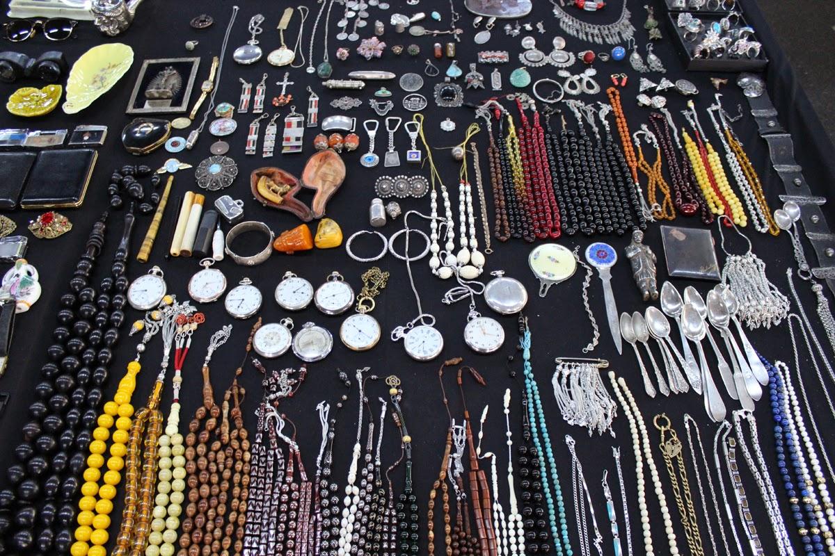Feriköy Antika Pazarı / Bomonti Bit Pazarı