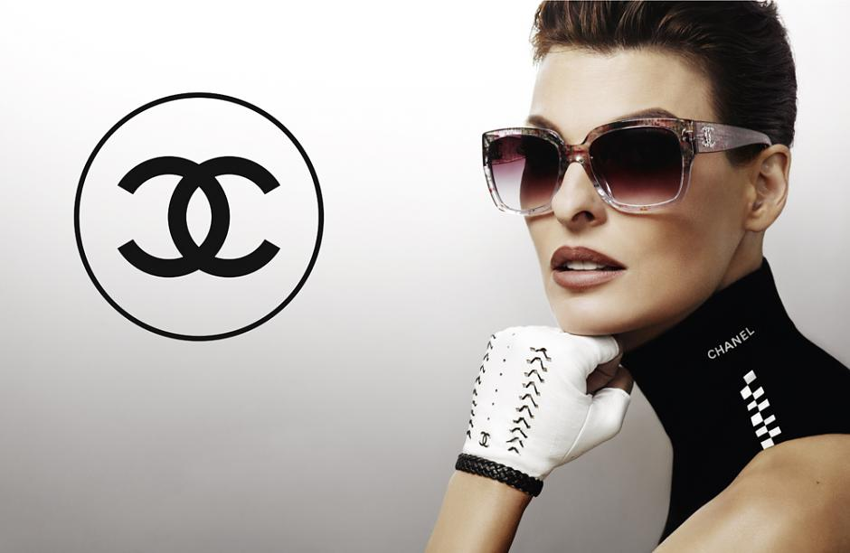 Annie's Fashion Break: Linda Evangelista for Chanel Spring ...