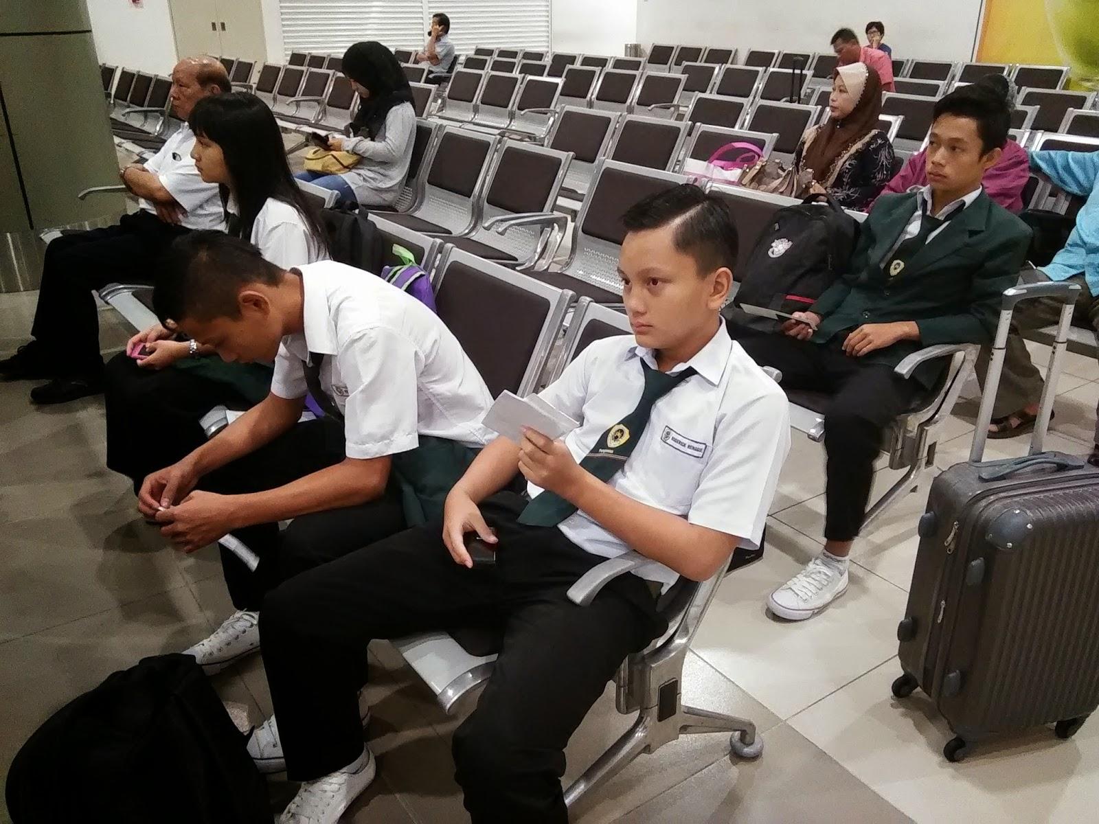 Pasukan LRK2014 Sarawak di Airport Sibu