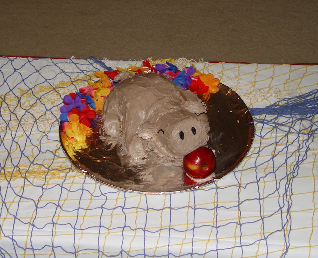 Roasted Pig Luau Cake 1