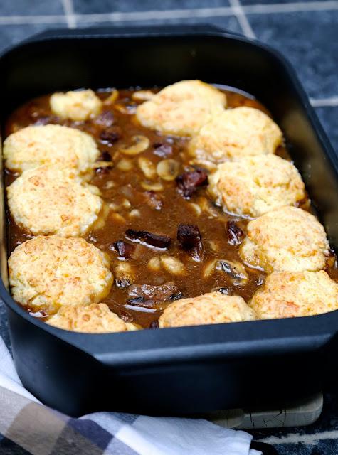 cocotte de boeuf , Guinness, scones parmesan