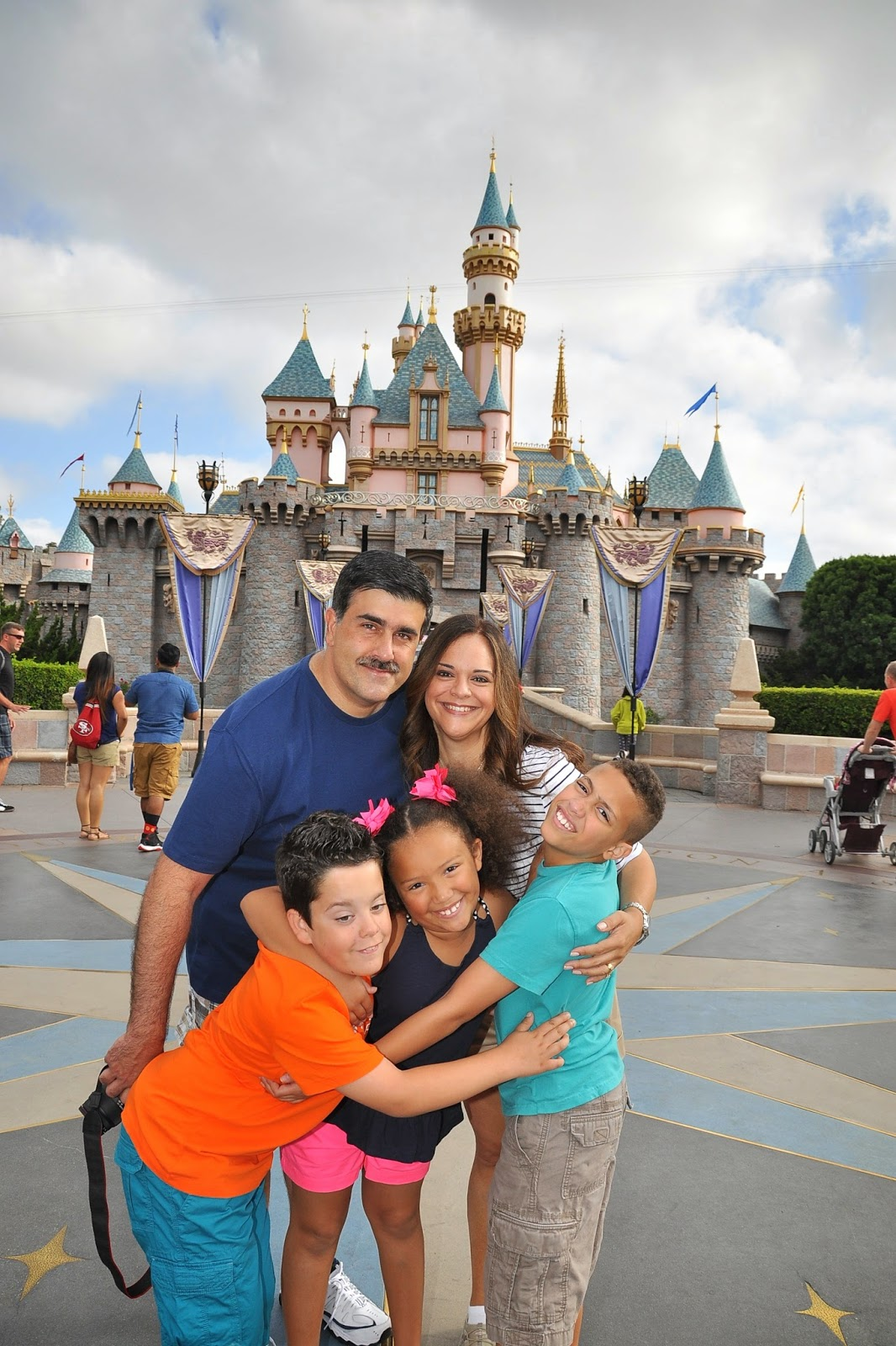How to scrapbook disney vacation -  Of My Favorite Subjects Disney And Scrapbooking I Sat Down With Tracie Claiborne Of Magic Memory Keepers And We Talked About How To Document Trips To