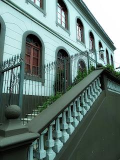 escadaria em frente ao Museu Municipal de Caxias do Sul.