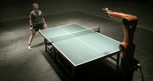 robot tenis
