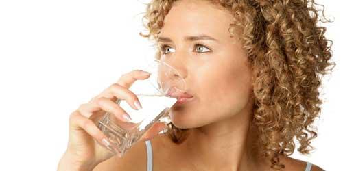 beber agua para acelerar el metabolismo