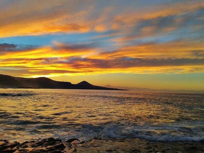 No hay nada mejor que despedir el día de esta manera. I love Gran Canaria. En Bañaderos a 22 de Octubre de 2012