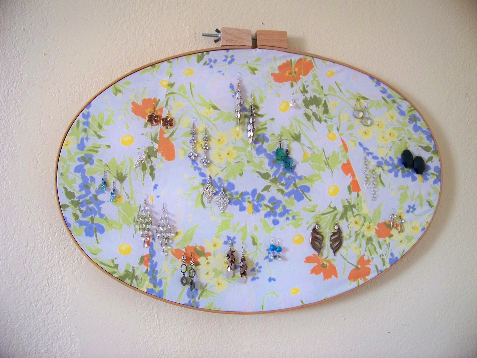 A Helpmeet For Him Thrifty Thursday Embroidery Hoop Earring Holder