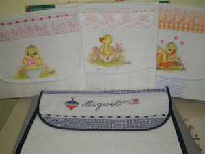 Porta roupinhas para maternidade